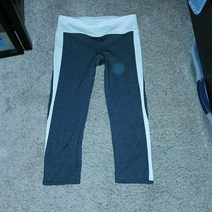 Gapfit workout capri pants